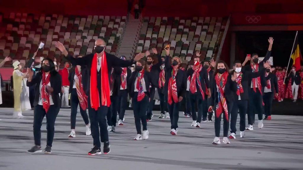 La delegación peruana hace su paso durante la inauguración de los Juegos Olímpicos Tokio 2020