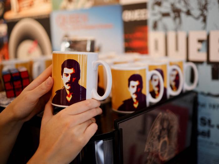 La banda Queen abre primera tienda física para celebrar sus 50 años